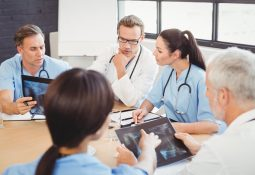 Como aperfeiçoar o trabalho de uma equipe multidisciplinar hospitalar