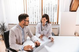 Infográfico – Insights para a gestão de clínicas