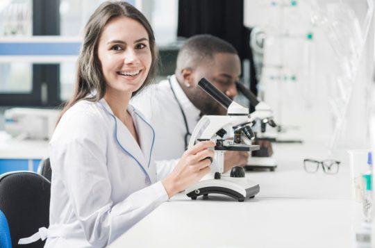 Normas de segurança no laboratório: a importância dos sistemas digitais
