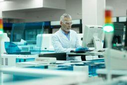 O que é controle de qualidade laboratorial?