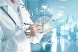 Como o conhecimento científico apoia a decisão clínica