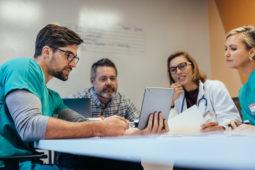 Gestão de mudanças na saúde: como trocar de sistemas?
